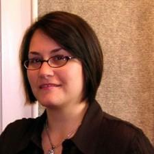 Alexia Petrakos Headshot